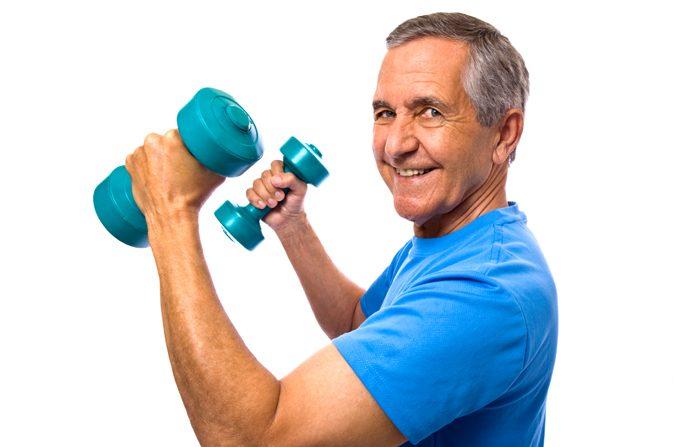 Perchè i pesi sono utili agli anziani