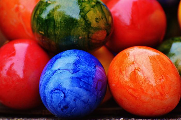 L arte di decorare le uova di pasqua nella repubblica ceca ceca pasqua praga epoch times - Decorare le uova per pasqua ...