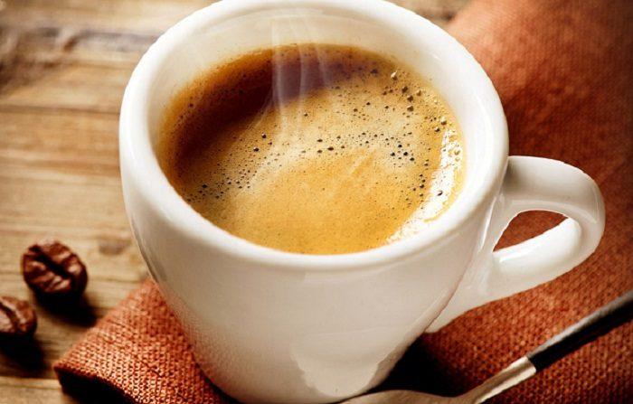 Il caffè aumenta il metabolismo e fa bruciare i grassi?