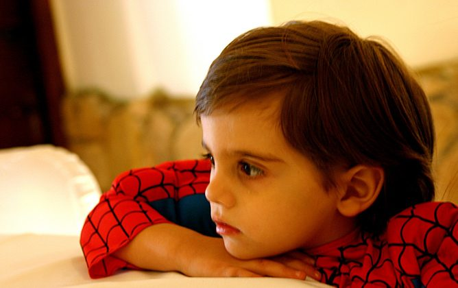 I bambini che comprendono le emozioni diventano sempre più attenti