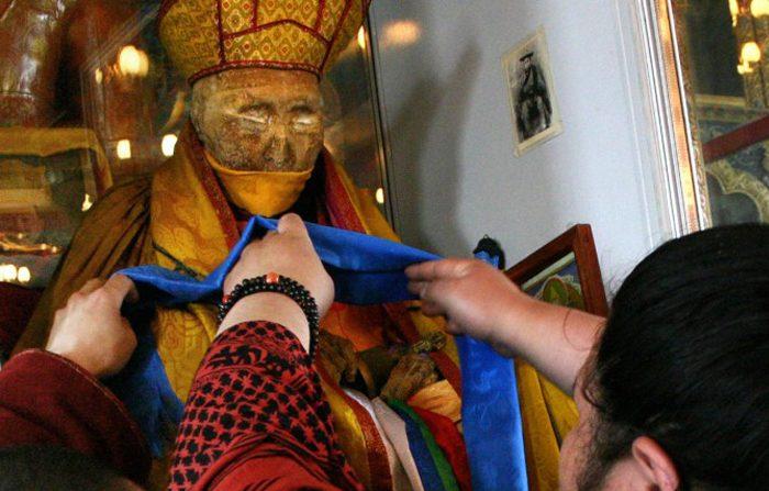 Il monaco buddista morto da 80 anni e ancora integro