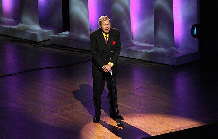 Addio a Jerry Lewis, genio e maestro di comicità