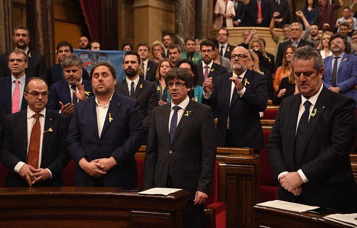 Madrid scioglie il parlamento catalano, Rajoy: la parola al popolo