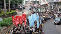 Hong Kong, in 40 mila protestano contro il 'compleanno' del Pcc