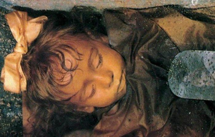 La baby mummia di Palermo che sconcerta il mondo