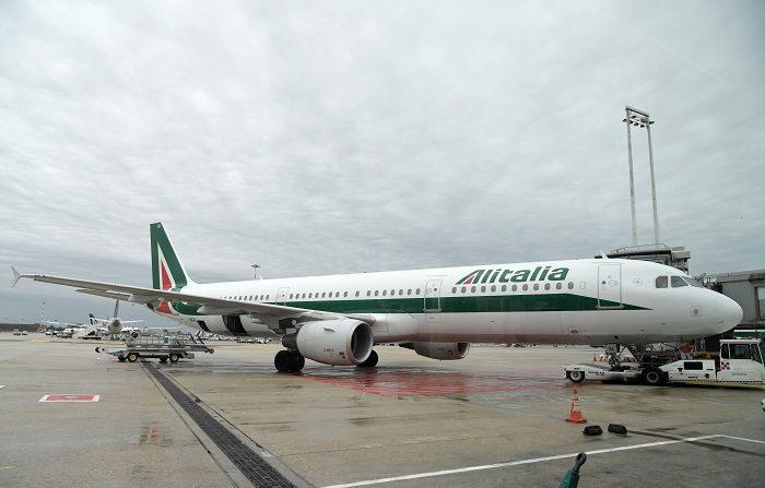 Alitalia: 836 milioni in cassa a fine novembre