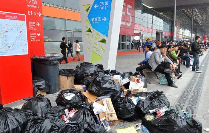Anche la Cina 'affonda' nei rifiuti