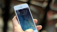 Bambino di due anni blocca un iPhone per mezzo secolo