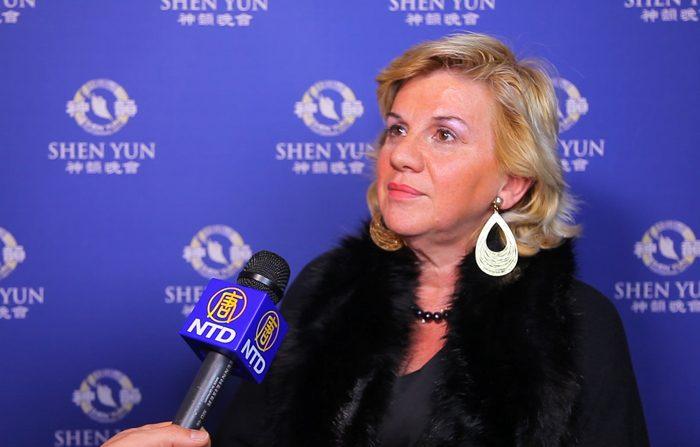 Maria Dragoni commossa da Shen Yun