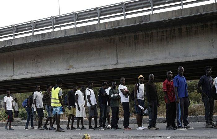 Le mafie e il traffico dei migranti