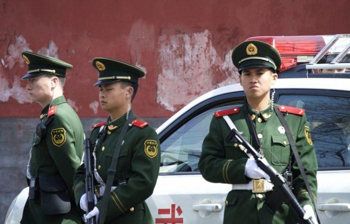 Cina, occhiali per il riconoscimento facciale a tutti i poliziotti