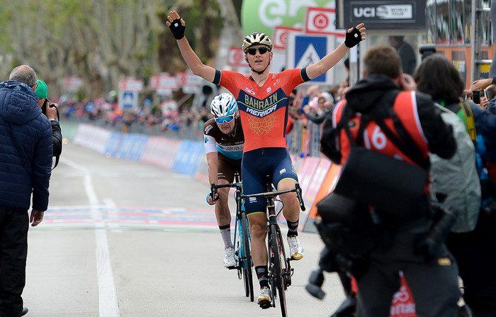 Giro 2018, la prima di Mohoric nel giorno più lungo. Chavez fuori classifica