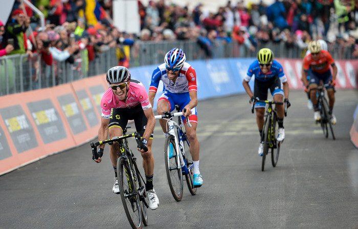 Giro d'Italia, Yates domina il Gran Sasso, Aru e Froome illustri sconfitti