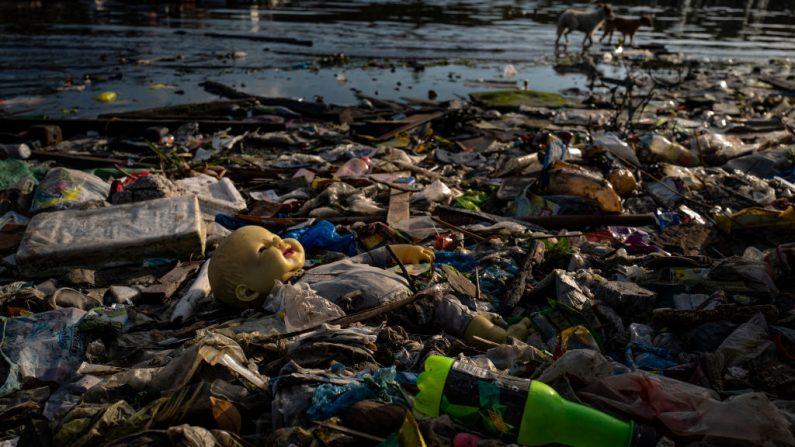 Il continente asiatico soffocato dalla plastica