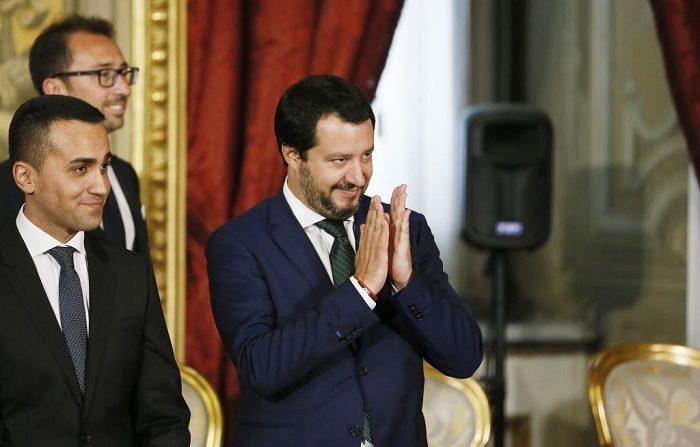 Immigrazione: Mentana contro Macron dopo le critiche a Salvini sul caso Aquarius