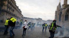 La rivolta di Parigi, il movimento dei gilet gialli macchiato dalla violenza