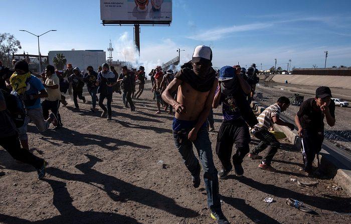 Carovana dei migranti verso gli Usa, la verità che nessuno racconta