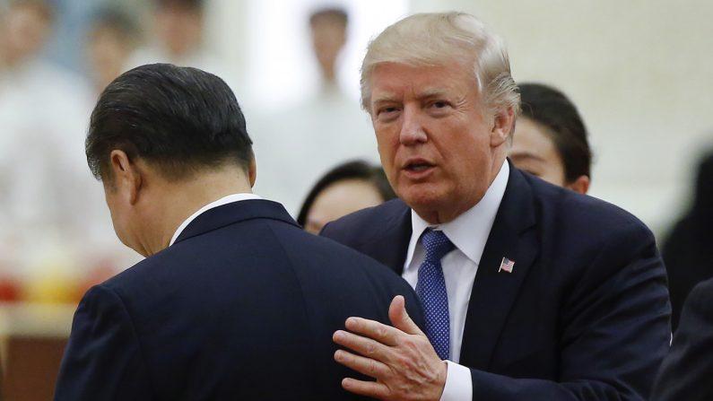 Gli 'anziani' del Partito trattengono Xi Jinping per la manica