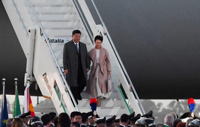Video: 20enne cinese condannato a 14 anni per aver diffuso informazioni su Xi Jinping