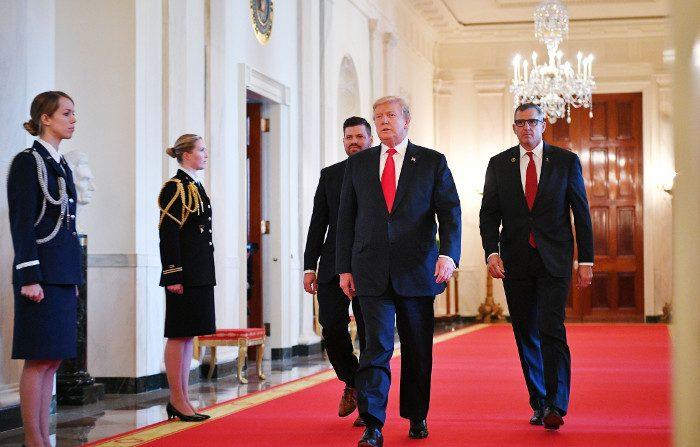 «I ruoli si sono invertiti», Trump chiede indagini sulle origini del Russiagate