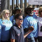 Quel pezzo di muro Usa-Messico che dà speranza ai parenti delle vittime
