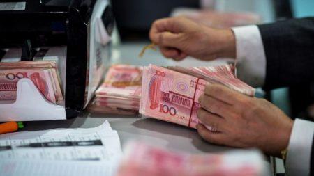La Cina rilancia la guerra commerciale con la manipolazione della valuta