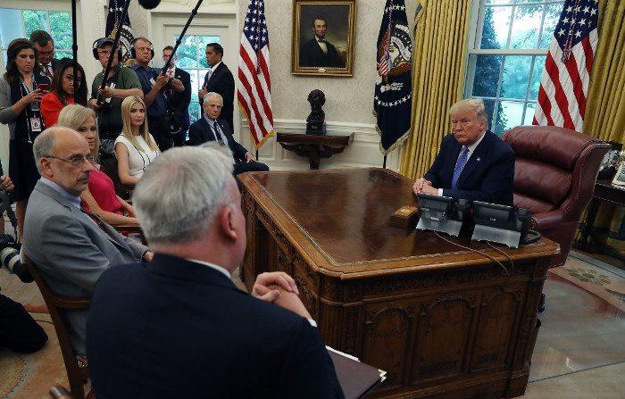 Prosegue la guerra commerciale tra Stati Uniti e Cina