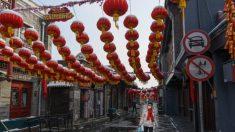Non ancora guariti, ma già dimessi dagli ospedali. Caos coronavirus in Cina
