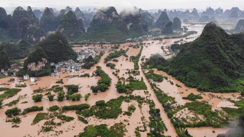 Non solo Covid, le alluvioni devastano la Cina