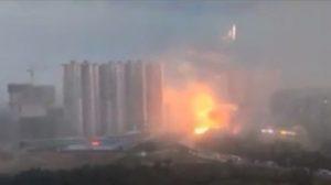 Terrificanti video di un fulmine nel nordest della Cina