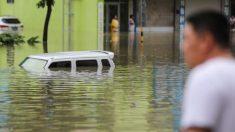 Esonda il fiume Yangtze, città inondate. Molti i senza tetto