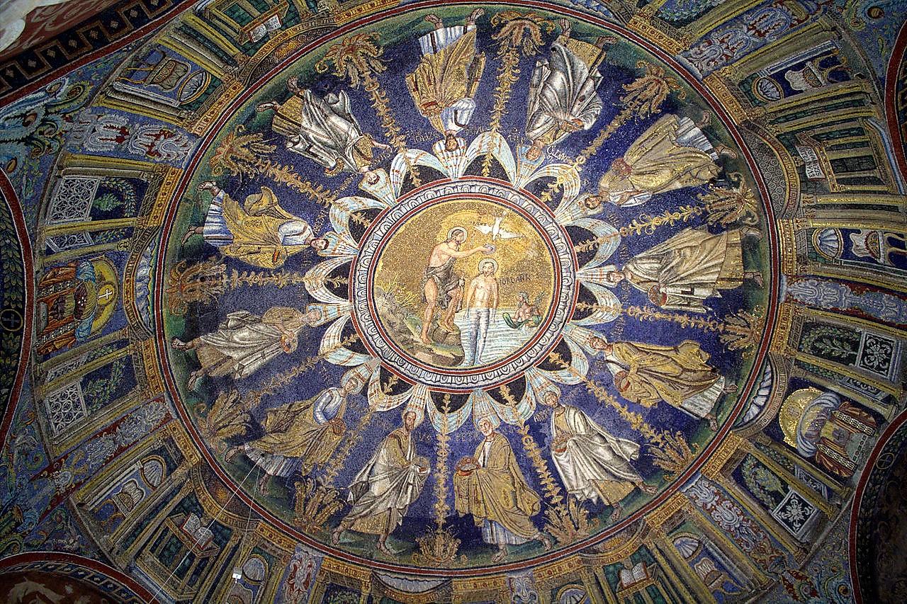 I mosaici sul soffitto del Battistero Neoniano.