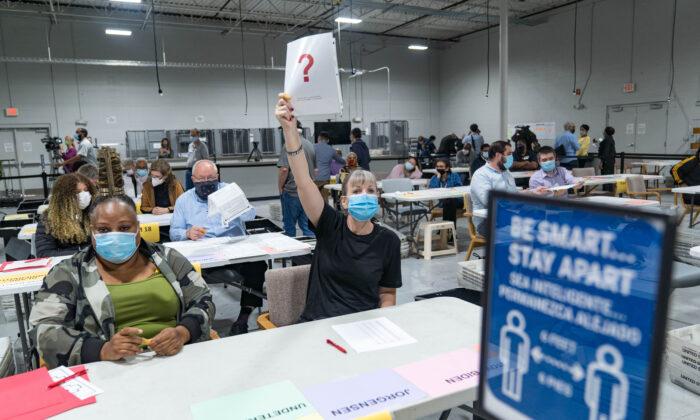 Analisi dei dati Usa 2020: 1,25 milioni di voti anomali nei 6 Stati decisivi