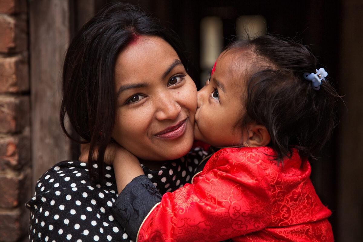 MAdre e figlia a Katmandu