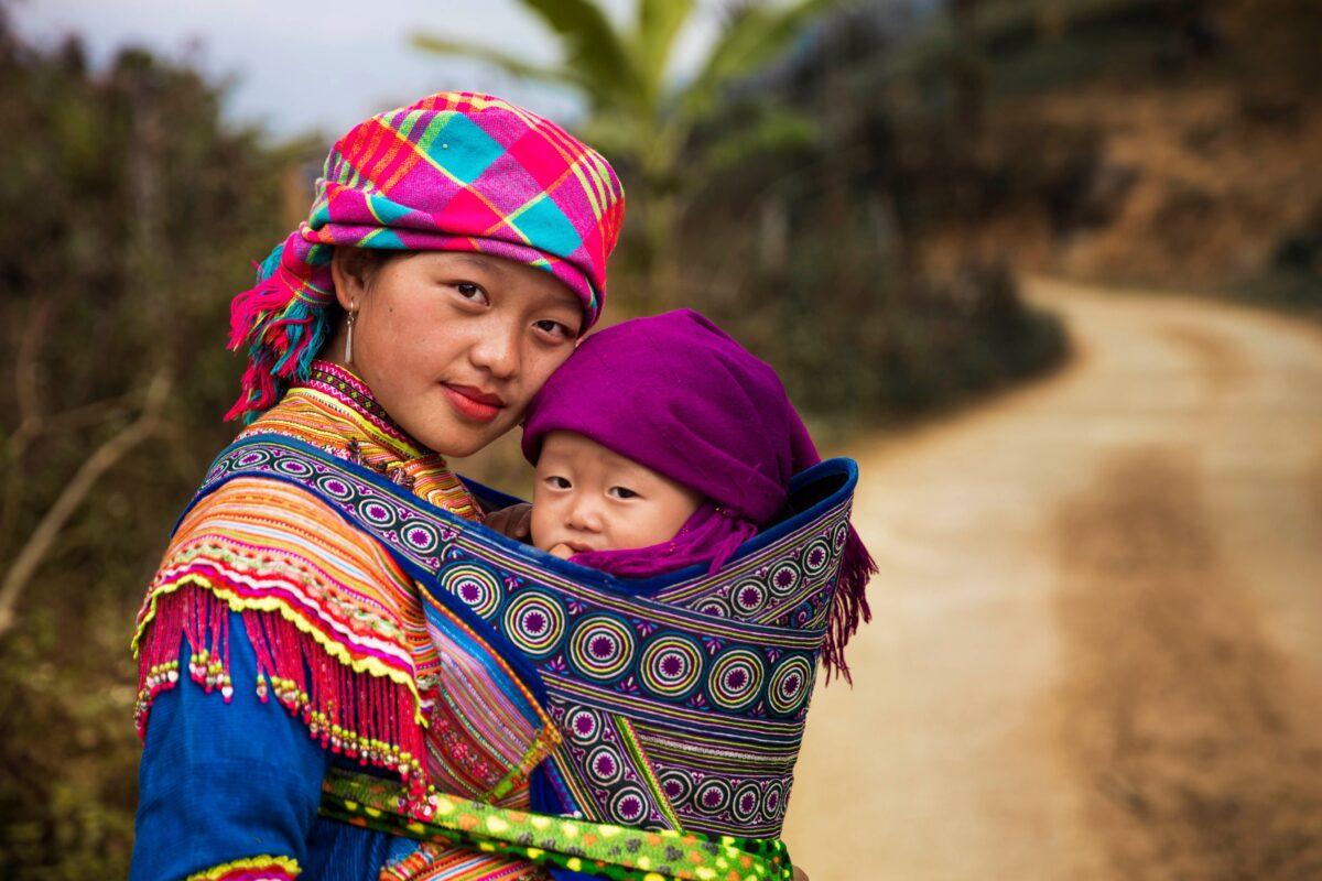 Mamma e figlio in Vietnam