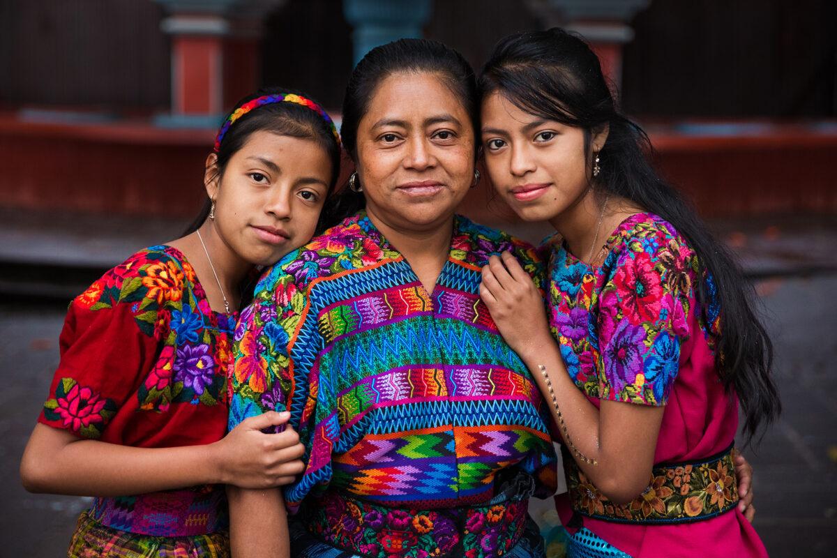 Mamma e figlie in Guatemala