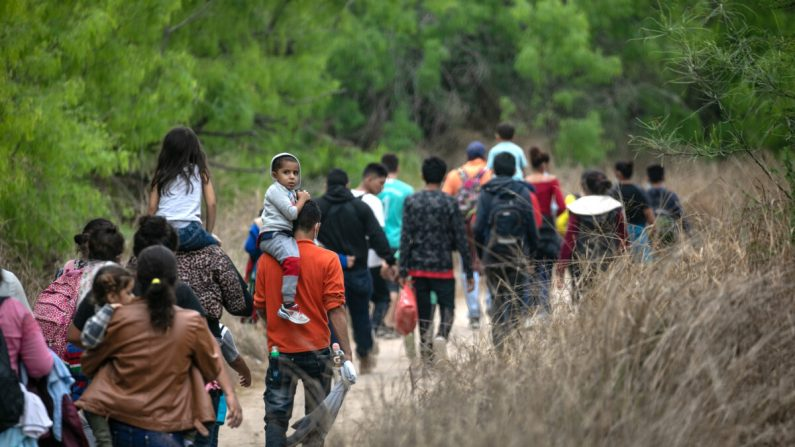 Video: Usa, i trafficanti di esseri umani sfruttano i bambini per varcare il confine | Ntd News