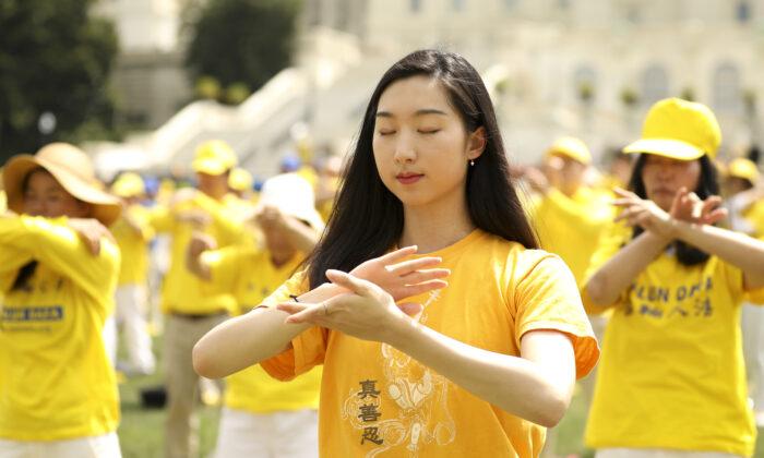 Pechino prende di mira i rifugiati del Falun Gong negli Stati Uniti