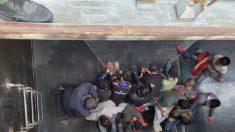 25 immigrati illegali scoperti in vagoni ferroviari vicino al confine tra Stati Uniti e Messico