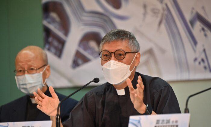 Il Vaticano nomina il nuovo vescovo di Hong Kong ignorando 'il candidato di Pechino'