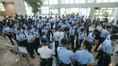 Il principale giornale pro-democrazia di Hong Kong costretto a chiudere i battenti