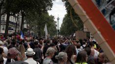 Proteste in tutta Europa contro green pass e restrizioni sanitarie